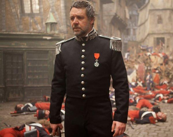 "Russell Crowe's singing seemed to be the only thing that didn't universally wow viewers at Friday's Lincoln Center ""Les Miz"" screening."
