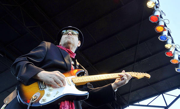 Ronnie Earl performs at the Western Maryland Blues Fest in Hagerstown in this June 4, 2012 file photo.