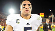 Only one lei ringed Manti Te'o's neck and shoulders as quiet settled on Los Angeles Memorial Coliseum, just one rainbow-colored string of small flowers and not the earlobe-high stack of festive bands he sported a week earlier.