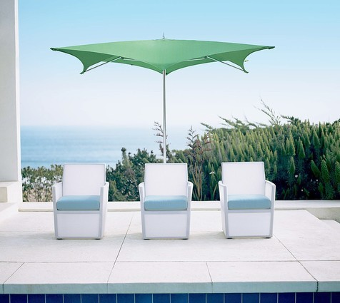 Outdoor decor: rugs and ottomans and lanterns -- oh, my! - latimes.