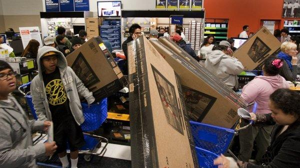 Retail sales for the holiday season got off to a strong start on Black Friday, but the White House warns that the threat of the fiscal cliff could hurt sales in coming weeks.