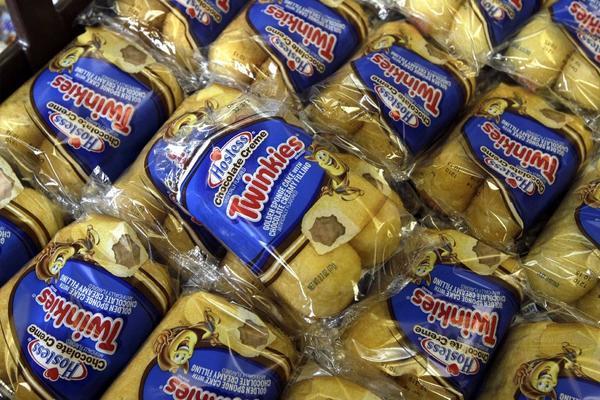 Twinkies snack cakes.