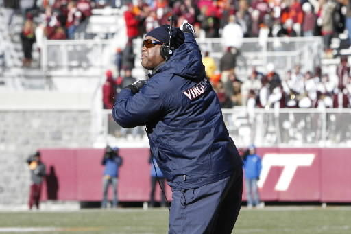Virginia coach Mike London misused timeouts against Virginia Tech
