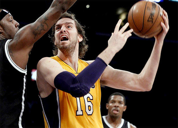 Pau Gasol goes up strong in the first half against the Brooklyn Nets.