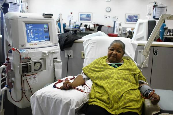 Catherine Freeman, 75, receives dialysis treatment at the Loyola Center for Dialysis in Maywood. A Johns Hopkins University study showed the importance of identifying at-risk dialysis patients who benefit from closer monitoring to ensure they are doing what is needed to stay healthy.