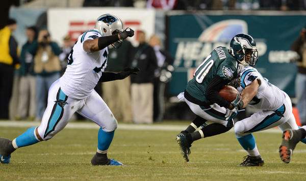 Philadelphia Eagles wide receiver DeSean Jackson (10) catches a pass before being tackled at Lincoln Financial Field in Philadelphia on Monday.