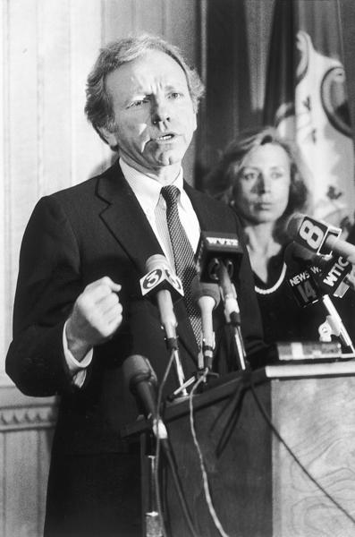 11-24-87  State Attorney General Joseph Lieberman answers questions from the press after he made his announcement that he is forming a campaign committee in a likely run for the U.S. Senate against Lowell P. Weicker.