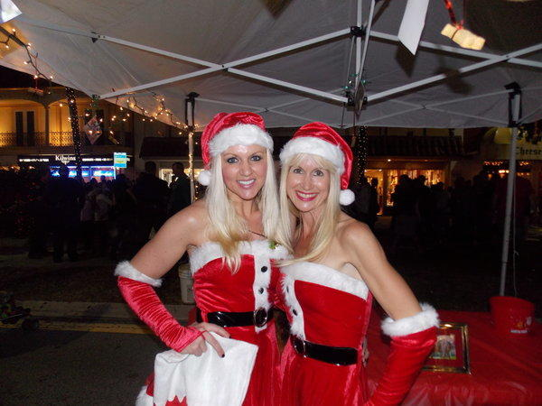Christmas has officially begun in Fort Lauderdale with the start of Las Olas' holiday festival.  On Tuesday, thousands of South Floridians danced, partied, went ice skating, sled down a ski slope, shopped, and dined on the popular street.  Carolers, Santa, elves, and everything merry were spotted that night.