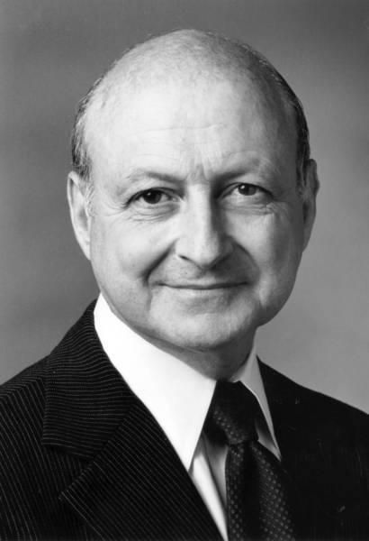 Phillip L. Williams served on the Times Mirror board of directors from 1985 until his retirement in 1993.