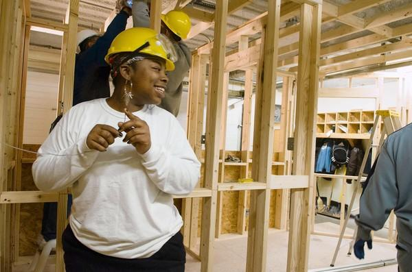 Tashawnda Fort, who was convicted of a drug crime, learns to install an electrical system this month at St. Leonard's Ministries Michael Barlow Center in Chicago.