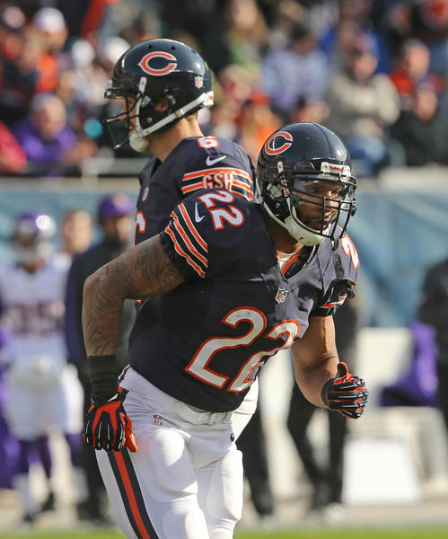 If healthy, Matt Forte (with Jay Cutler during the Vikings game) should be busy against Seattle.