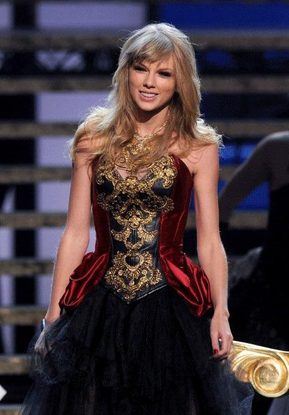 Singer Taylor Swift performs onstage during the 40th American Music Awards held at Nokia Theatre L.A. Live on November 18, 2012 in Los Angeles, California.