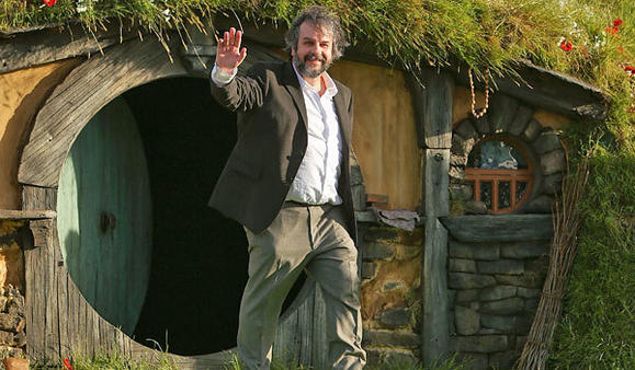 "Peter Jackson emerges from a hobbit hole to greet the fans at ""The Hobbit"" premiere"