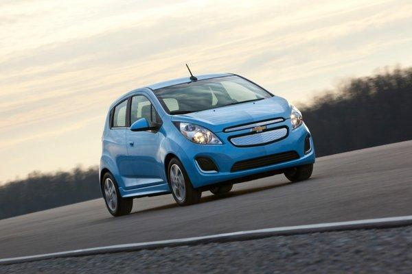 Chevrolet unveiled the Spark EV, the eletric version of its urban mini car.