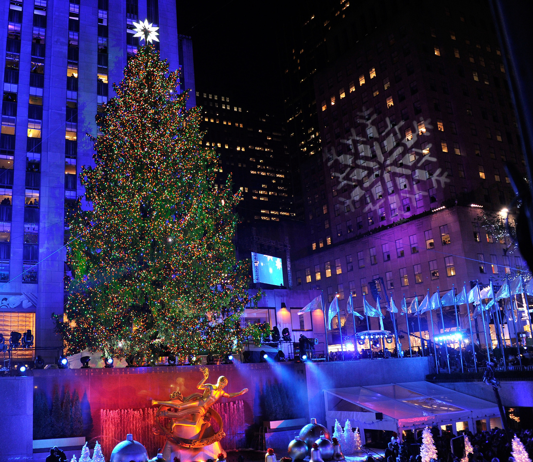 Pictures: Holiday lights from around the globe - Christmas in New York: 80th annual Rockefeller Center Christmas Tree Lighting Ceremony