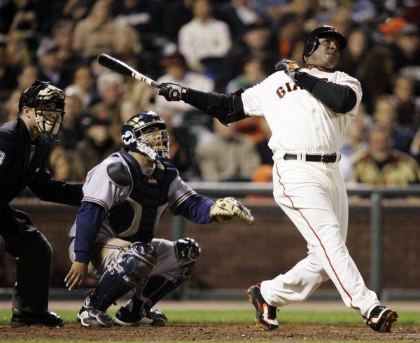 Barry Bonds with the Giants in 2007.