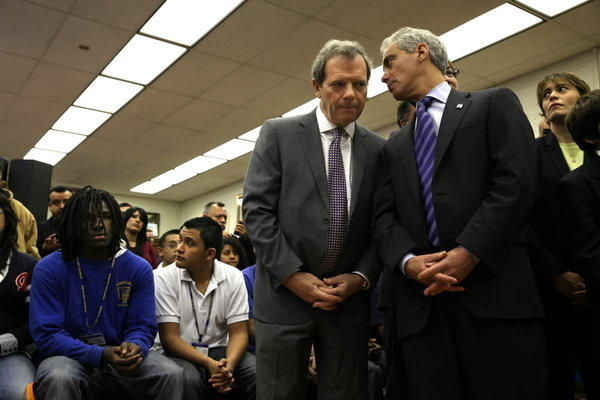 Senate President John Cullerton, seen here last week talking to Mayor Rahm Emanuel, advanced a bill today to allow illegal immigrants to get driver's licenses in Illinois.
