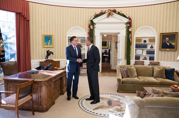 Obama meets Romney at White House