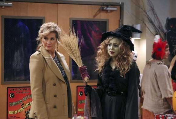"Nancy Travis, left, and Kaitlyn Dever on ""Last Man Standing"""