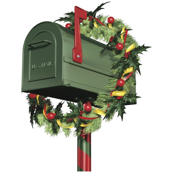 While many have chosen to give up on writing old fashioned Christmas letters, there are some who continue to stick with it, even going out of their way to make people laugh.
