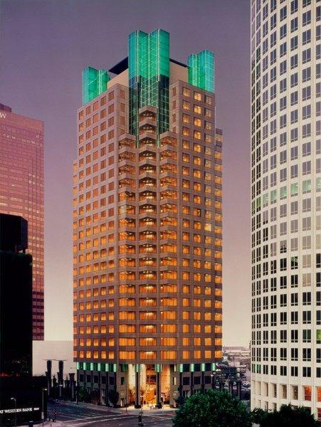 Chinatrust Bank has agreed to move its U.S. headquarters from Torrance to 801 Tower in downtown Los Angeles.