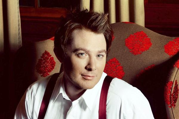 Clay Aiken performs at the Musikfest Cafe on Dec. 4 as part of his holiday tour.