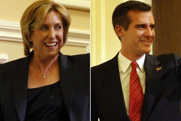 Mayoral candidates Wendy Greuel and Eric Garcetti are seen greeting the audience before taking part in a debate hosted by the Hollywood Chamber of Commerce.