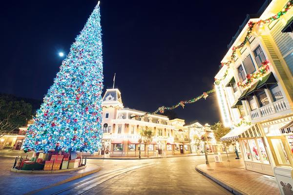 The happiest place on earth gets even merrier over the holiday season as Disneyland is transformed into an extravagant winter wonderland right in the heart of California. Classic rides such as It's A Small World and the Haunted Mansion are given luminous makeovers, while Main Street is decked out in the all the best Christmas trimmings. Heralded by trumpeting toy soldiers, prancing reindeer, joyful gingerbread men and skating snowflakes, the Main Street Christmas Fantasy Parade sees all of Disney's most popular characters dressed up in their holiday best.