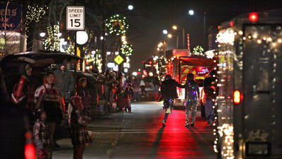 Holiday season kicks off downtown