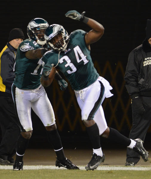 Philadelphia Eagles running back Bryce Brown (34) celebrates after scoring a touchdown at Lincoln Financial Field in Philadelphia on Monday.