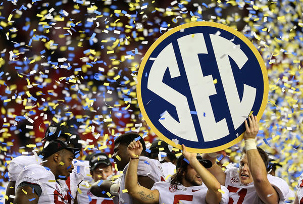 Alabama celebrate after winning the 2012 SEC Championship against the Georgia.