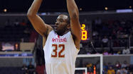 Dez Wells learns from his mom, a former Division II All-American