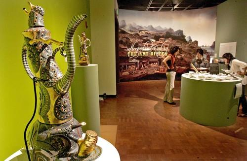 """<a href=""""http://www.latimes.com/features/food/la-fo-teamuseum19-2009aug19,0,583056.story"""">In foreground, one of the objets d'art on display.</a> Ralph Bacerra. Untitled, 2000. Collection of Gloria and Sonny Kamm, courtesy of the Kamm Teapot Foundation<br> <br> <b>RECENT & RELATED</b><br> <br> <a href=""""http://www.latimes.com/features/food/la-fo-teamuseum19-2009aug19,0,583056.story"""">'Steeped in History' exhibition at Fowler Museum at UCLA</a><br> <br> <a href=""""http://www.latimes.com/features/food/la-fo-teahabitat19-2009aug19,0,4817599.story"""">Taking tea to the extreme</a><br> <br> <a href=""""http://www.latimes.com/features/food/la-fo-restcity19-2009aug19,0,7774752.story"""">Virtual cooking is a hit on <a class=""""taxInlineTagLink"""" id=""""ORCRP006023"""" title=""""Facebook"""" href=""""/topic/business/technology-industry/facebook-ORCRP006023.topic"""">Facebook</a></a><br> <br> <a href=""""http://www.latimes.com/features/food/la-fo-moro19-2009aug19,0,3291717.story"""">'Moro' cookbook opens up a world of Moorish flavors</a><br> <br> <a href=""""http://www.latimes.com/features/food/la-fo-recipeindexarchive2008,0,5938840.storygallery"""">Browse recipes from the L.A. Times Test Kitchen</a>"""