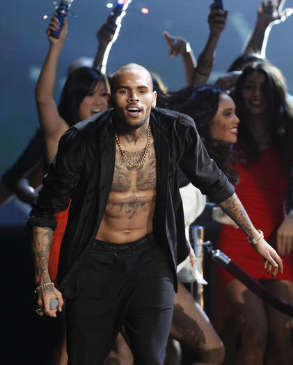 Chris Brown performs at the 40th American Music Awards
