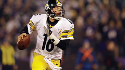 Pittsburgh Steelers quarterback Charlie Batch looks for an opening to pass during the second half of an NFL football game against the Baltimore Ravens on Sunday.