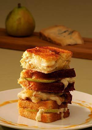 Grilled blue cheese and pear sandwich