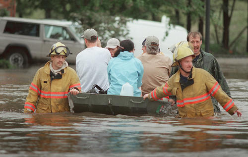RESCUE FROM JAMESTOWN APTS. FROM FLOOD WATERS FROM HURRICANE FLOYD.