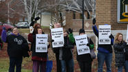 Teachers on strike in Carpentersville District 300