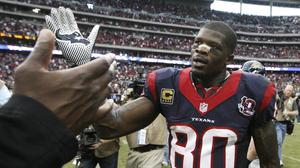 Andre Johnson takes at-risk kids on $19,521 shopping spree