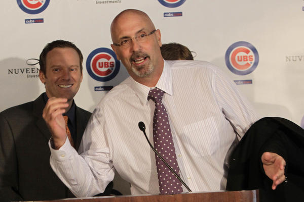 Former Houston Astros broadcaster Jim Deshaies, center, jokes with Chicago Cubs play-by-play announcer Len Kasper, left, at Wrigley Field today.