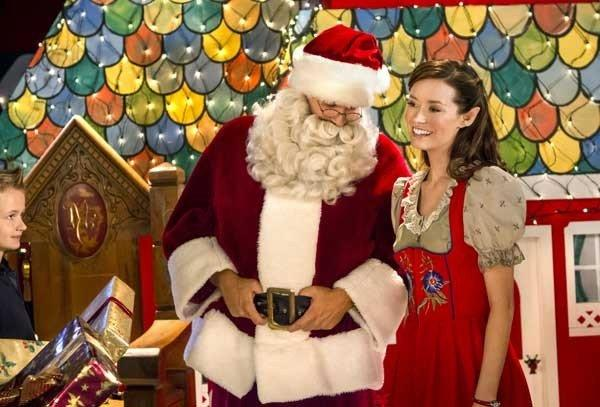 "Summer Glau in ""Help for the Holidays"" on Hallmark"