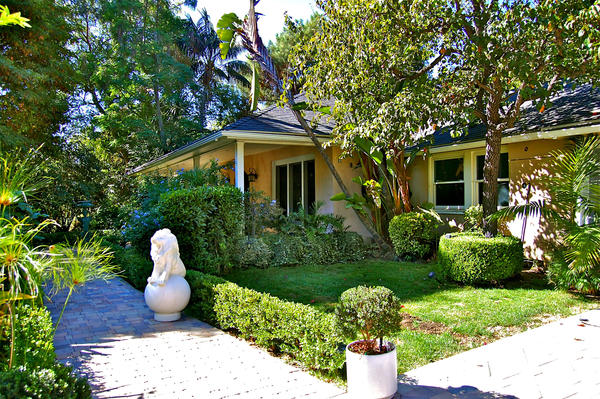 A compound once owned by singer Marvin Gaye and his first wife, Anna, is on the market in Hollywood Hills West at $3.799 million.