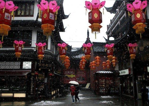 A snowy day at the Yuyuan Garden in Shanghai.
