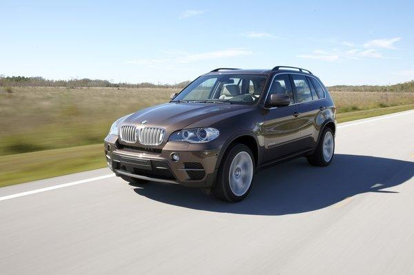 According to the National Highway Traffic Safety Administration, the engine belt idler pulley bolt in X5 diesel sport utility vehicles could loosen and break.