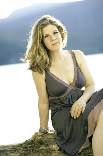 Dar Williams uses Greek mythology in her new album.