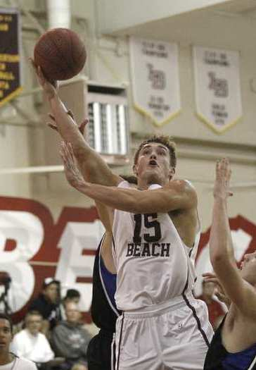 Jake Dalke (15) scored 16 points to help Laguna Beach High beat Dana Hills.