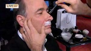 Obama strategist David Axelrod shaves mustache for epilepsy charity