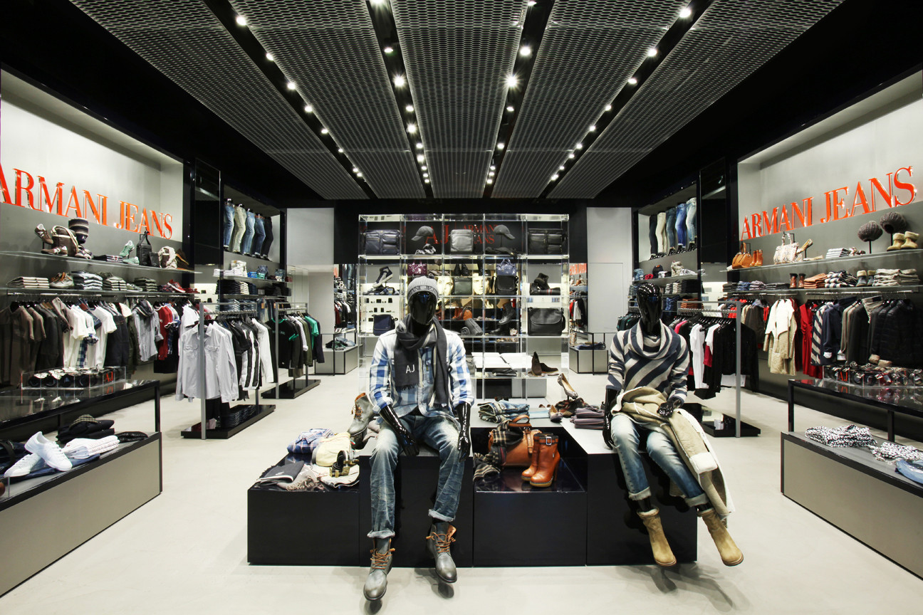 Armani jeans in miami beach for Armadi outlet