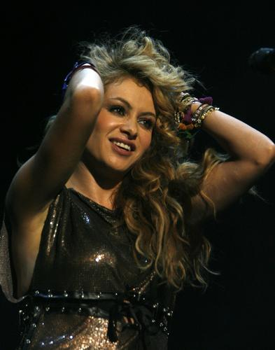 "<a href=""https://twitter.com/paurubio/status/277884287712391169"">@paurubio</a> (in Spanish): ""Waiting for my friend @jennirivera since 9 a.m. but she never made it - still too soon - there are no words and no consolation."""
