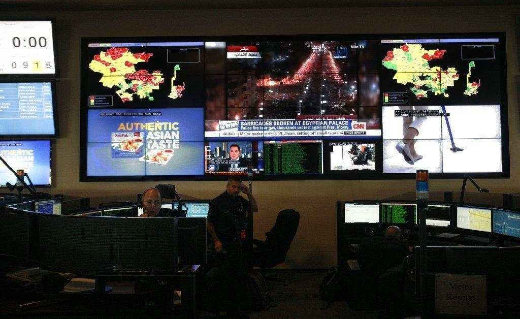 Inside The Lafd S 911 Dispatch Center La Times